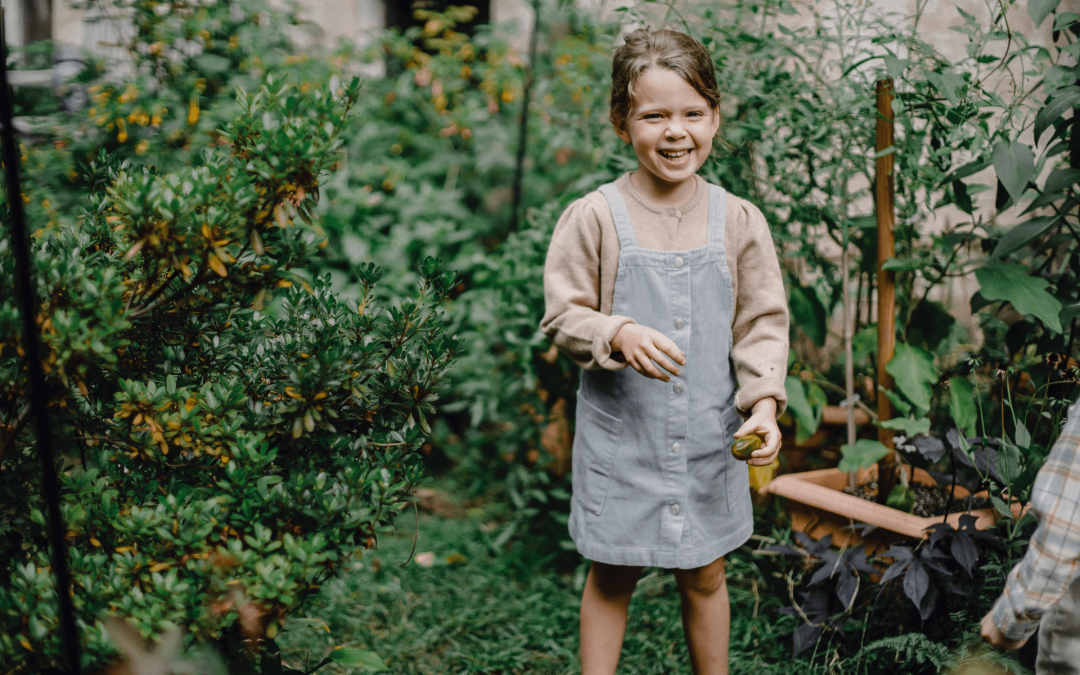 5 Ways Spending Time in Nature Helps Children Develop